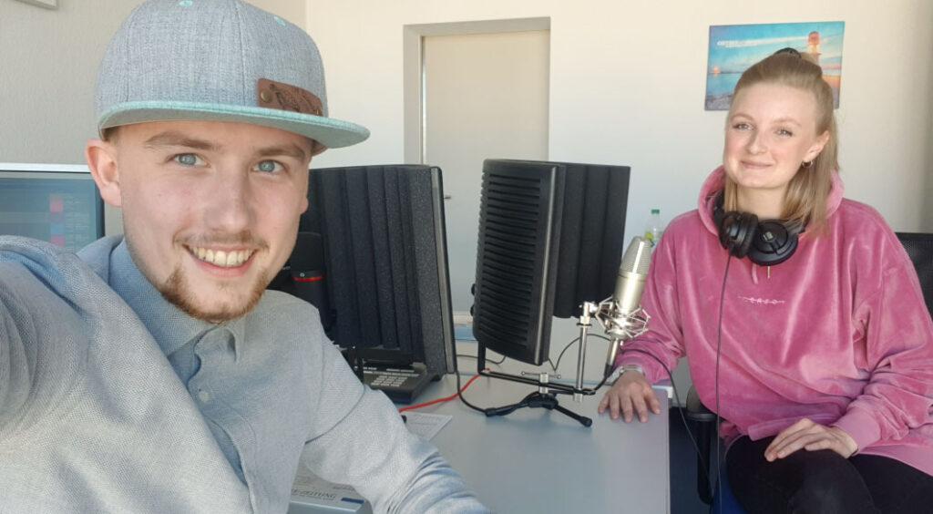 In der ersten Folge des neuen Podcasts berichten Max Jagusch und Julia Kramer über die Aktion und das neue Shop-Portal #ozhilft.